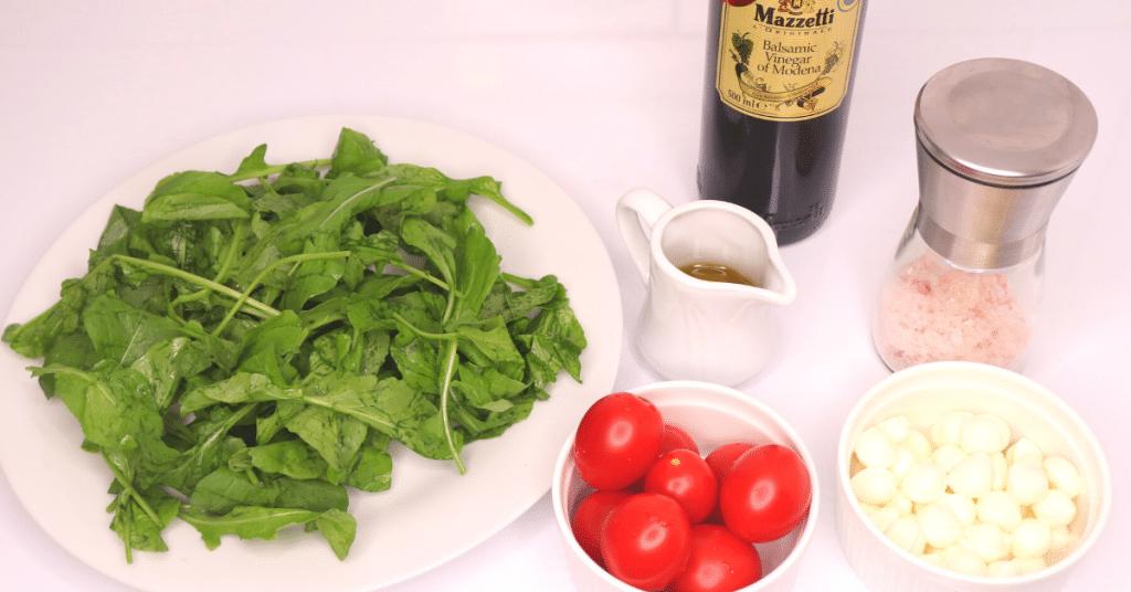 mozarella peynirli roka salatası malzemeleri